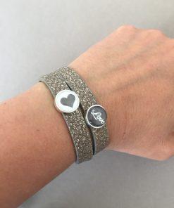 Armband Leder gold glitzer doppelt Cabochon Herz Love am Arm