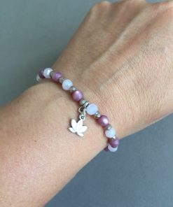 Armband beere rosa taupe Lotusblüte am Arm